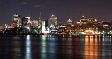 Thumbnail image of Montréal at night