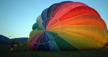 Thumbnail image of a hot air balloon