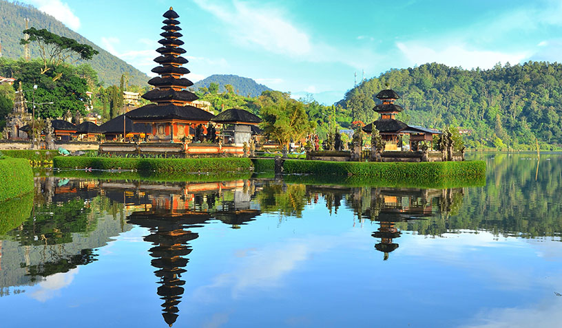 temple-in-indonesia